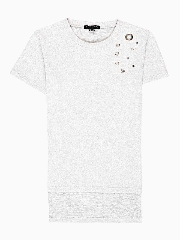 Tričko s kovovými kruhy