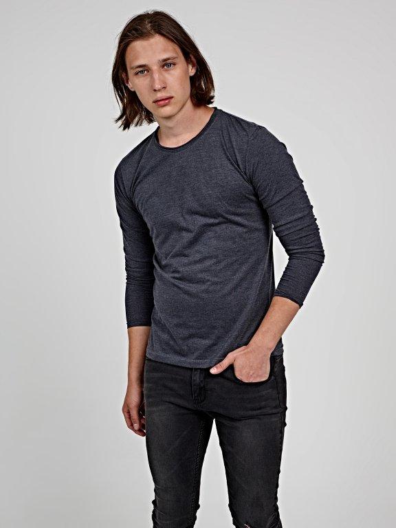 Basic long sleeve t-shirt with raw neck trim