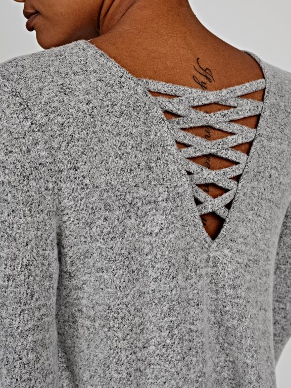 Oversized jumper with back lacing