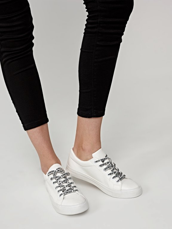 Sneakers with printed shoelaces