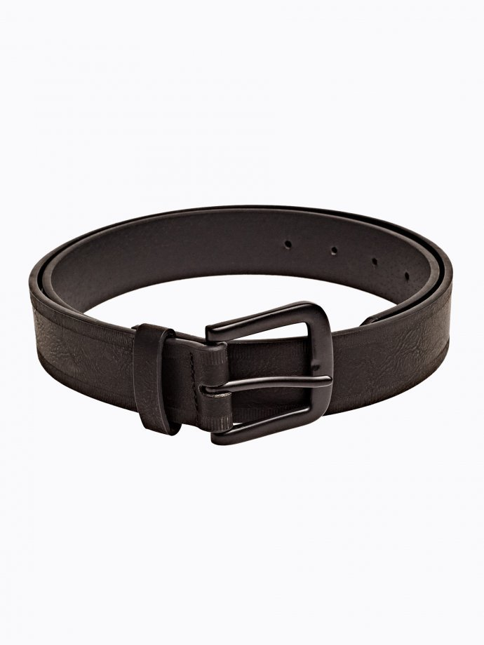 Wide belt with square metal buckle