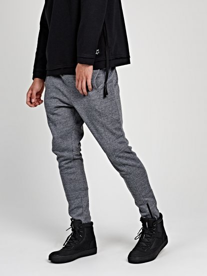 Sweatpants with hem zippers