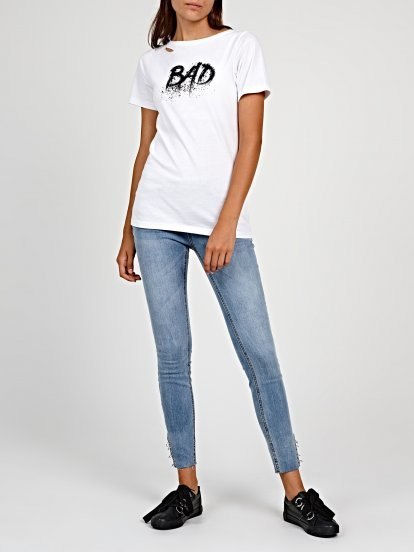 DISTRESSED T-SHIRT WITH MESSAGE PRINT