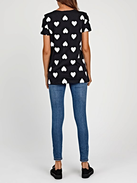 Hearts print t-shirt with chest pocket
