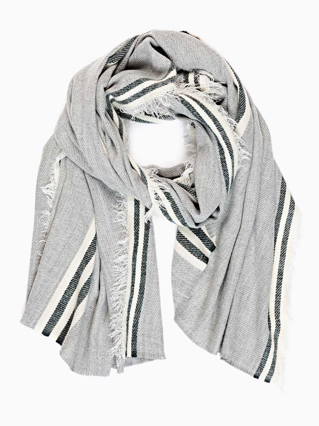 Scarf with stripes
