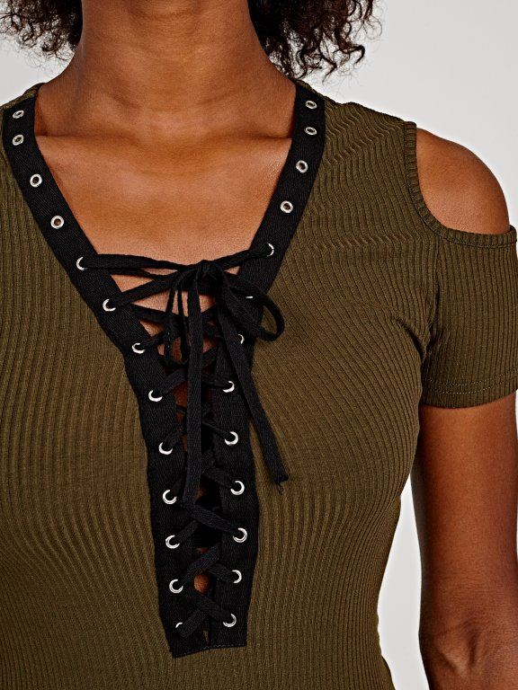COLD SHOULDER TOP WITH FRONT LACING