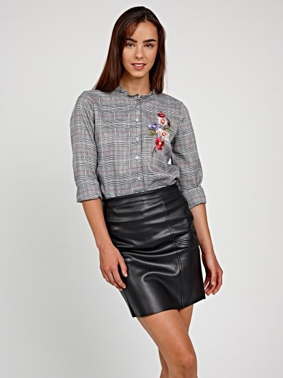 Plaid shirt with emroidery detail and ruffle collar
