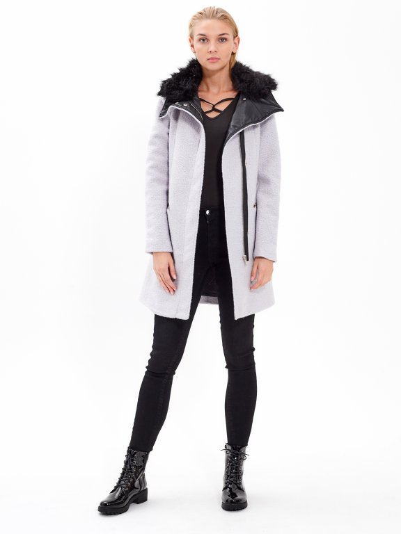 PLAIN COAT WITH FAUX FUR LINED COLLAR