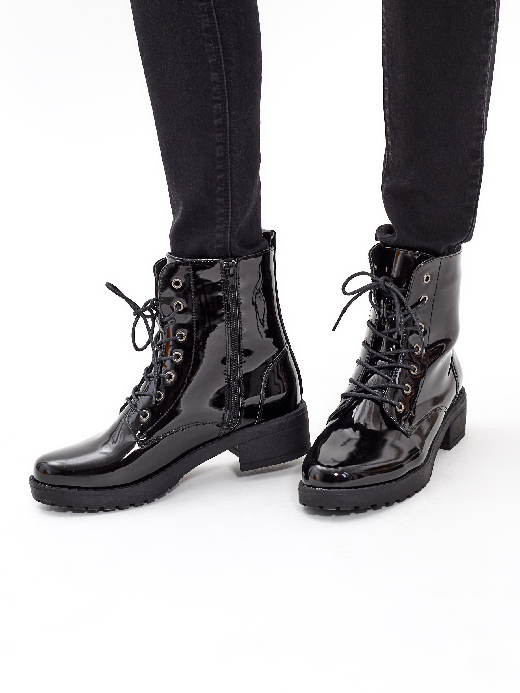 GLOSSY LACE-UP ANKLE BOOTS   GATE