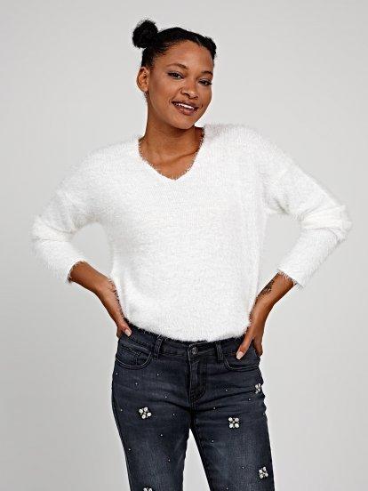 V-neck fluffy jumper