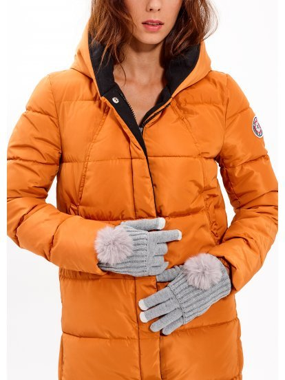 Pletené rukavice s brmbolcom
