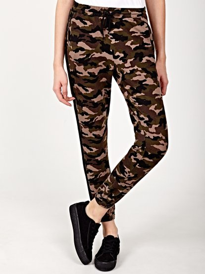 Camo print sweatpants with side stripe