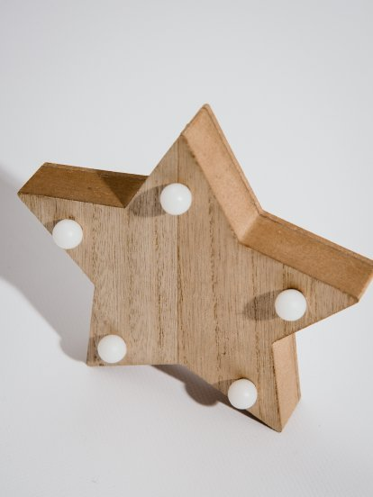 Lampa drevená hviezda