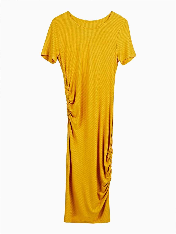 Pouzdrové šaty s řasením