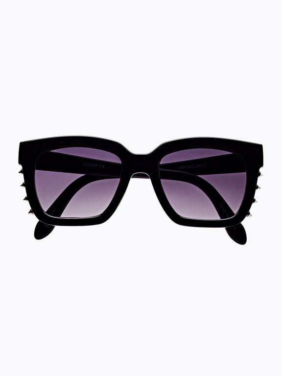 Okulary przeciwsłoneczne z ćwiekami