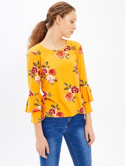 Floral print top with ruffle sleeve
