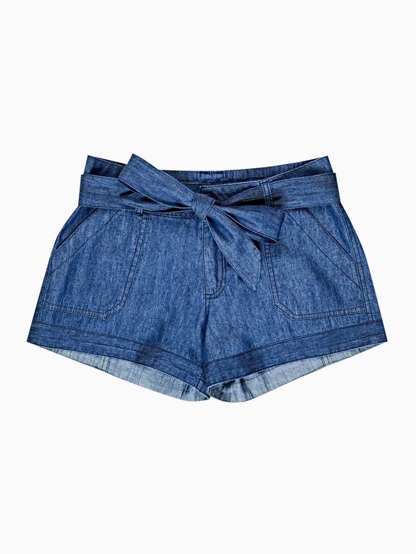 Shorts with decorative belt
