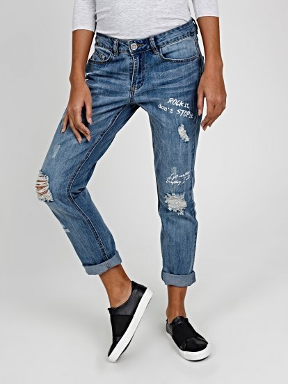 DISTRESSED BOYFRIEND JEANS WITH MESSAGE PRINTS