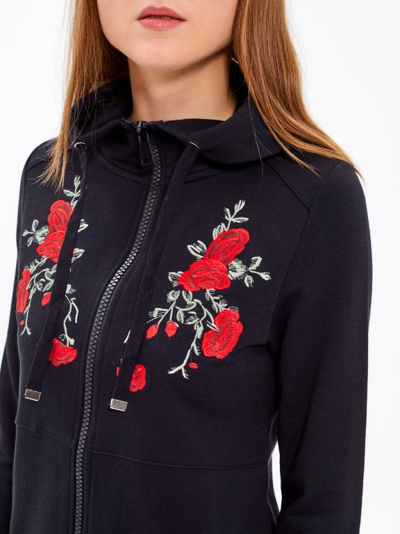 Długa bluza z haftem kwiatowym