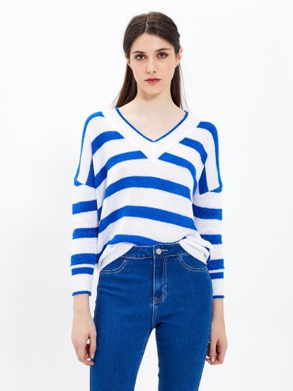 STRIPED V-NECK PULLOVER