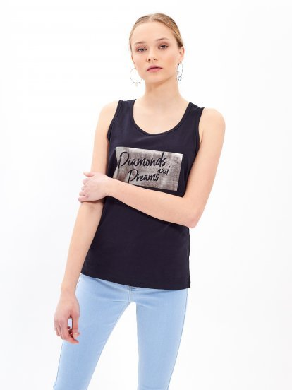 Tank with metallic print