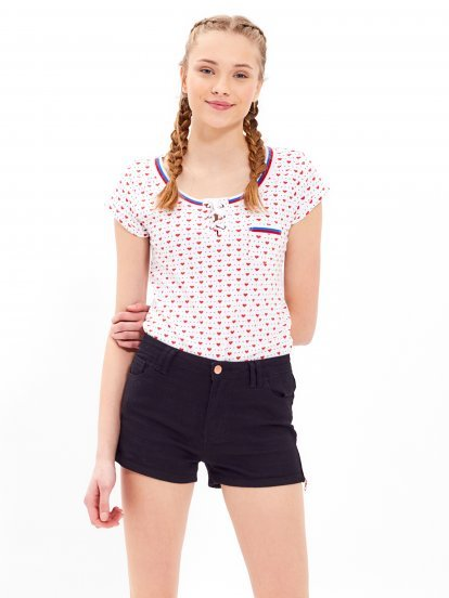 Printed t-shirt with front lacing
