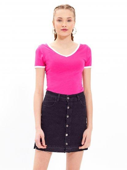 Základné tričko s kontrastným lemom