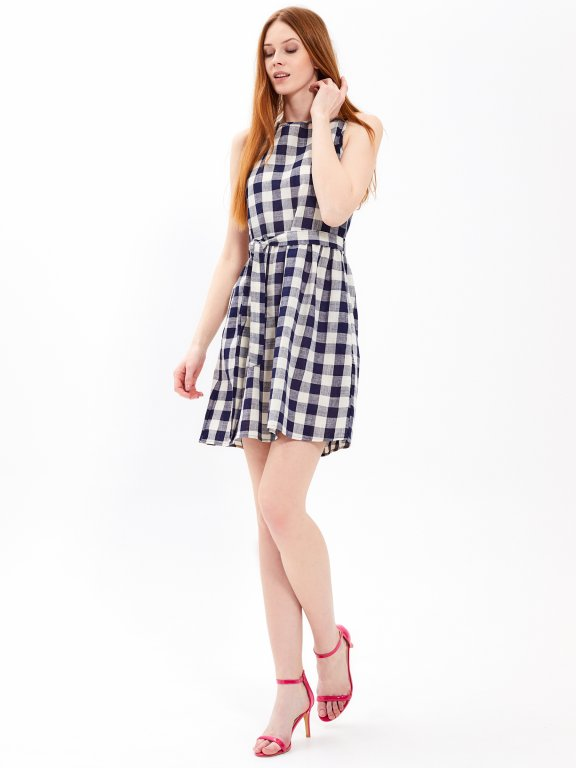 Gingham dress with pockets