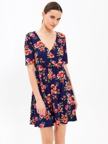 Sukienka z nadrukiem kwiatowym