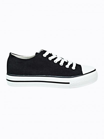 Basic platform sneakers