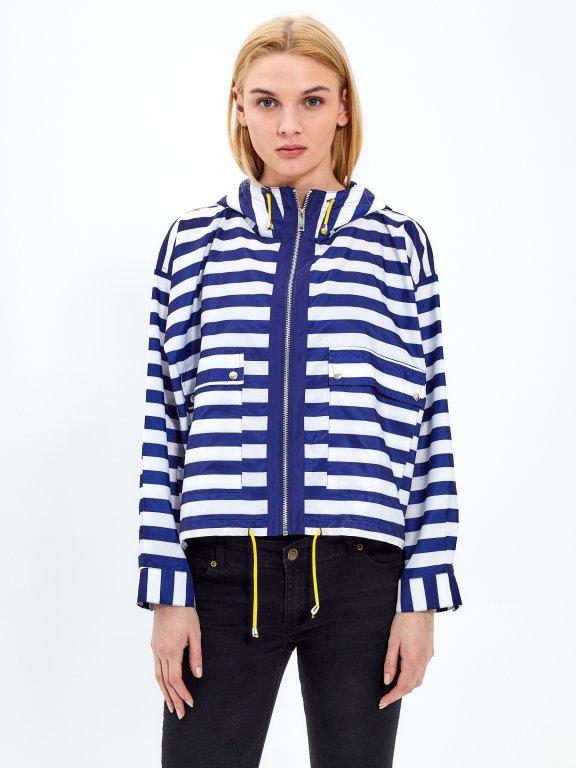 Prúžkovaná bunda s kapucňou