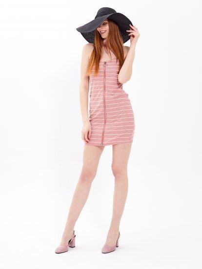 Ołówkowa sukienka w prążki z zamkiem