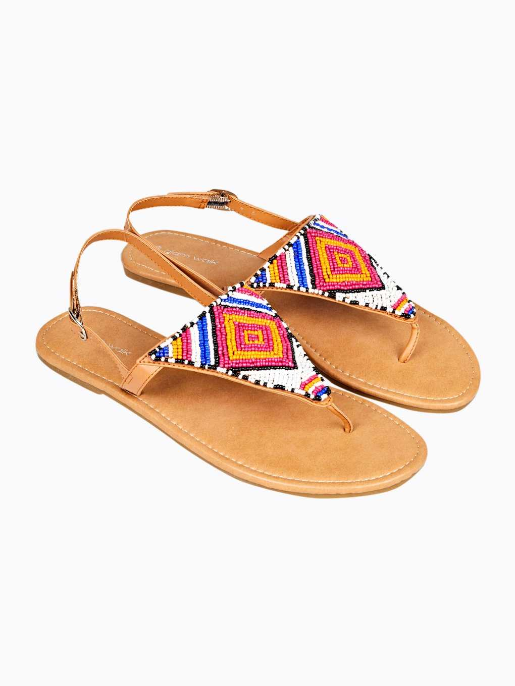 Flat sandals with beads