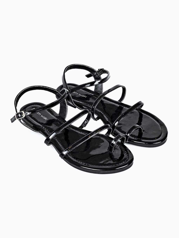 Multistrap flat sandals