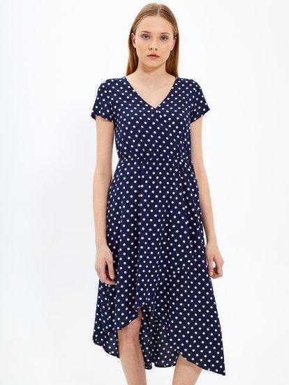 Puntíkované šaty s volánem