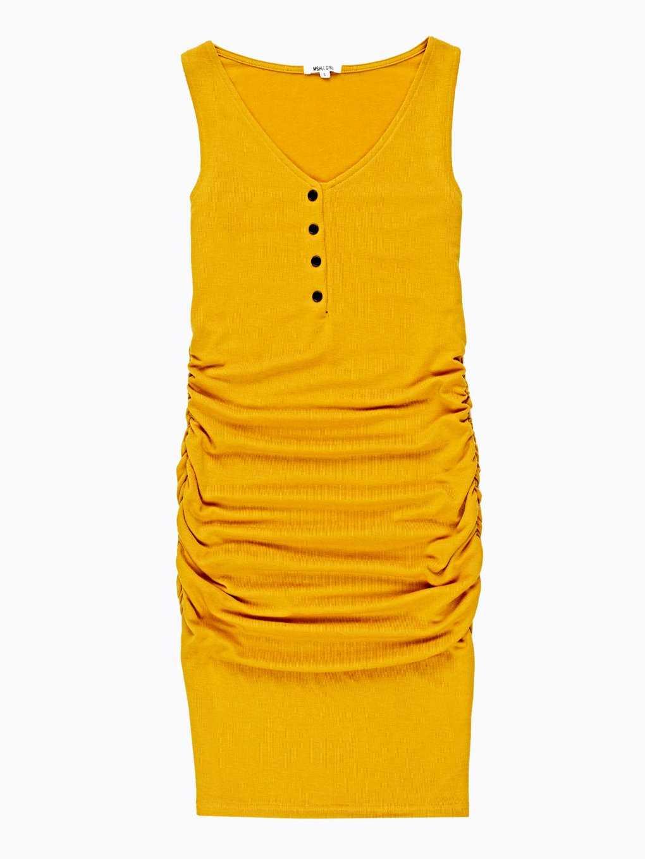 Ołówkowa sukienka z guzikami