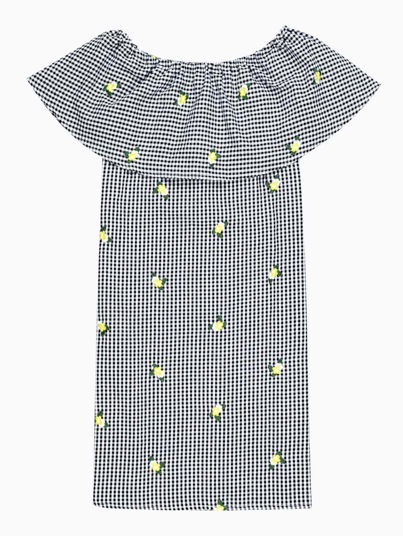 Sukienka w kratę z haftem i falbaną