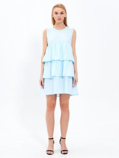 Sukienka z falbanami i perłami