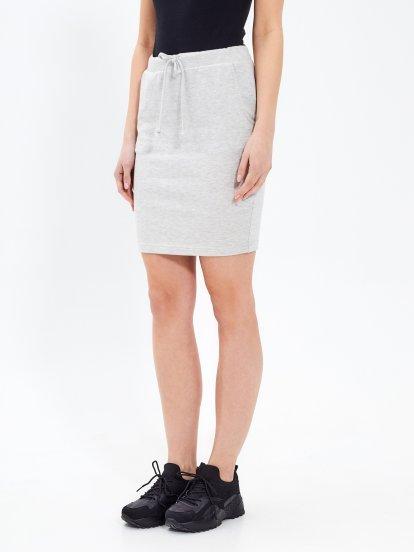 Jednoduchá sukně s kapsami