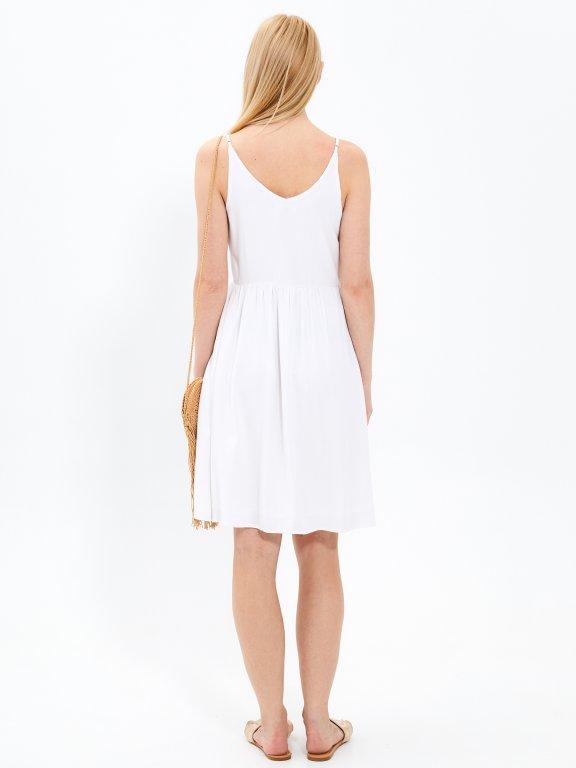 Sukienka midi na ramiączkach z zapięciem na guziki