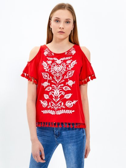 Cold-shoulder top with print