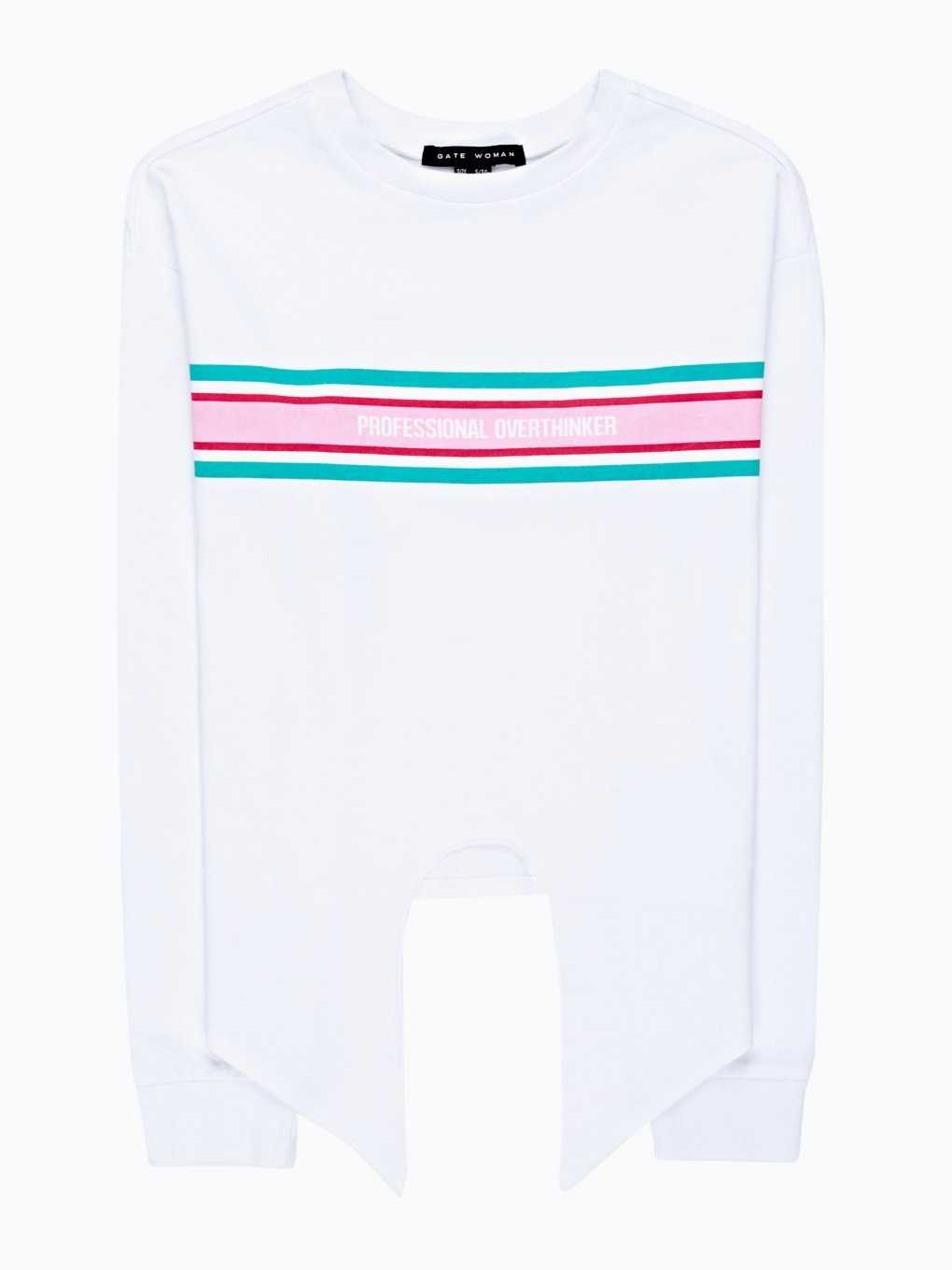 T-shirt with knot