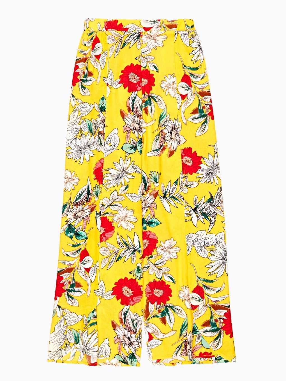 Široké kvetinové nohavice s rozparkami