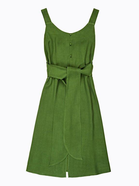 Sukienka midi z zapięciem na guziki