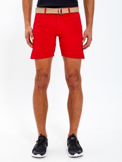 Stretch shorts with belt