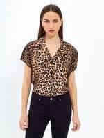 Animal print viscose shirt