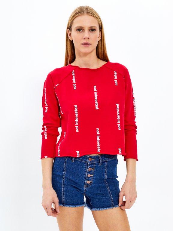 Sweatshirt with raw edges