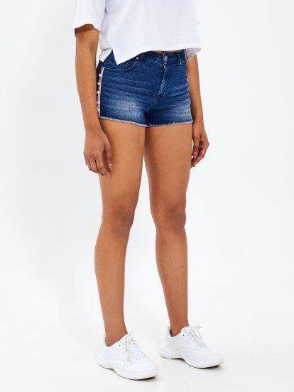 Taped denim shorts with pearls