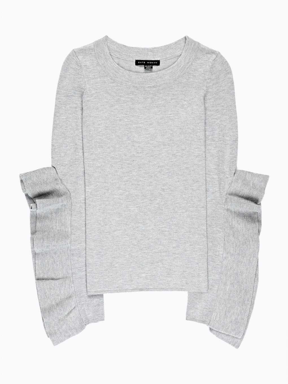 Sweter z drapowaniem na rękawie