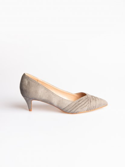 Mid heel casual pumps